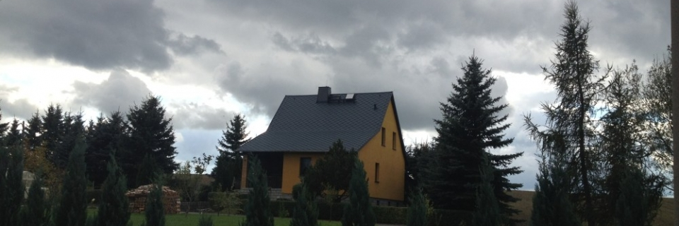 Dacheindeckung in PREFA Dachraute in anthrazit stucco